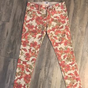 PAIGE Skinny Crop Floral Jeans Size 27